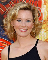 Elizabeth Banks as Miri