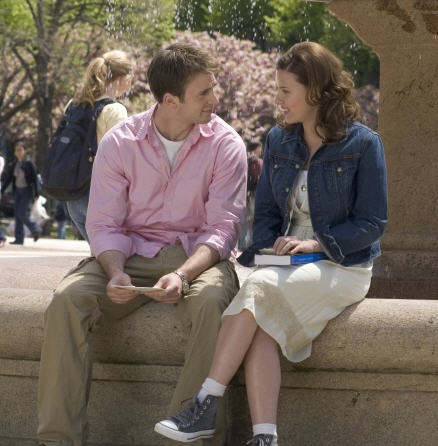 Scarlett Johansson and Chris Evans in The Nanny Diaries